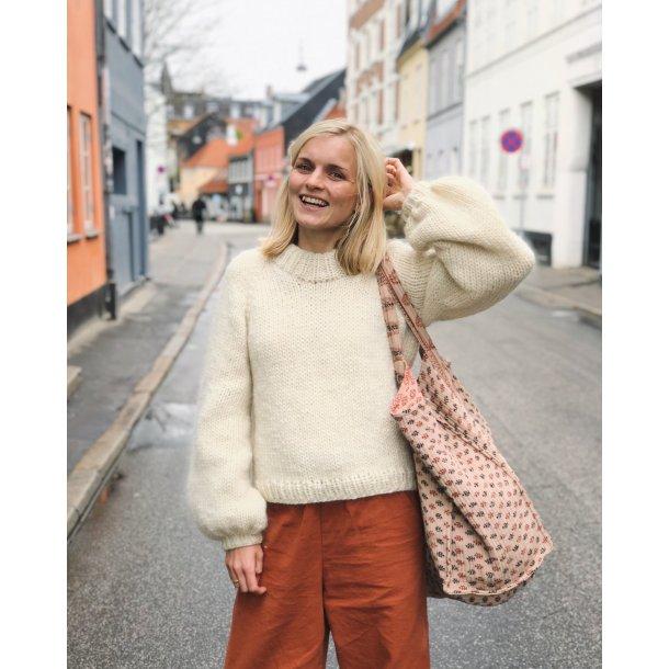 Holiday Sweater PETITE KNIT strikkeopskrift
